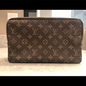 Authentic Louis Vuitton Trousse Toliette 28